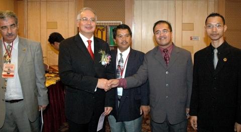 Dato' Izat Emir (PERDASAMA), Dato' Seri Najib (Perdana Menteri), Karl Iskandar (Pengasas Blogstarz.my), Khairul Anuar (Pengasas Sesawang)